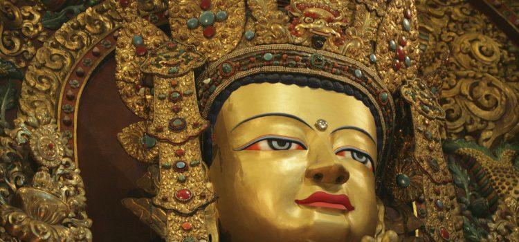 dinero para viajar a Nepal