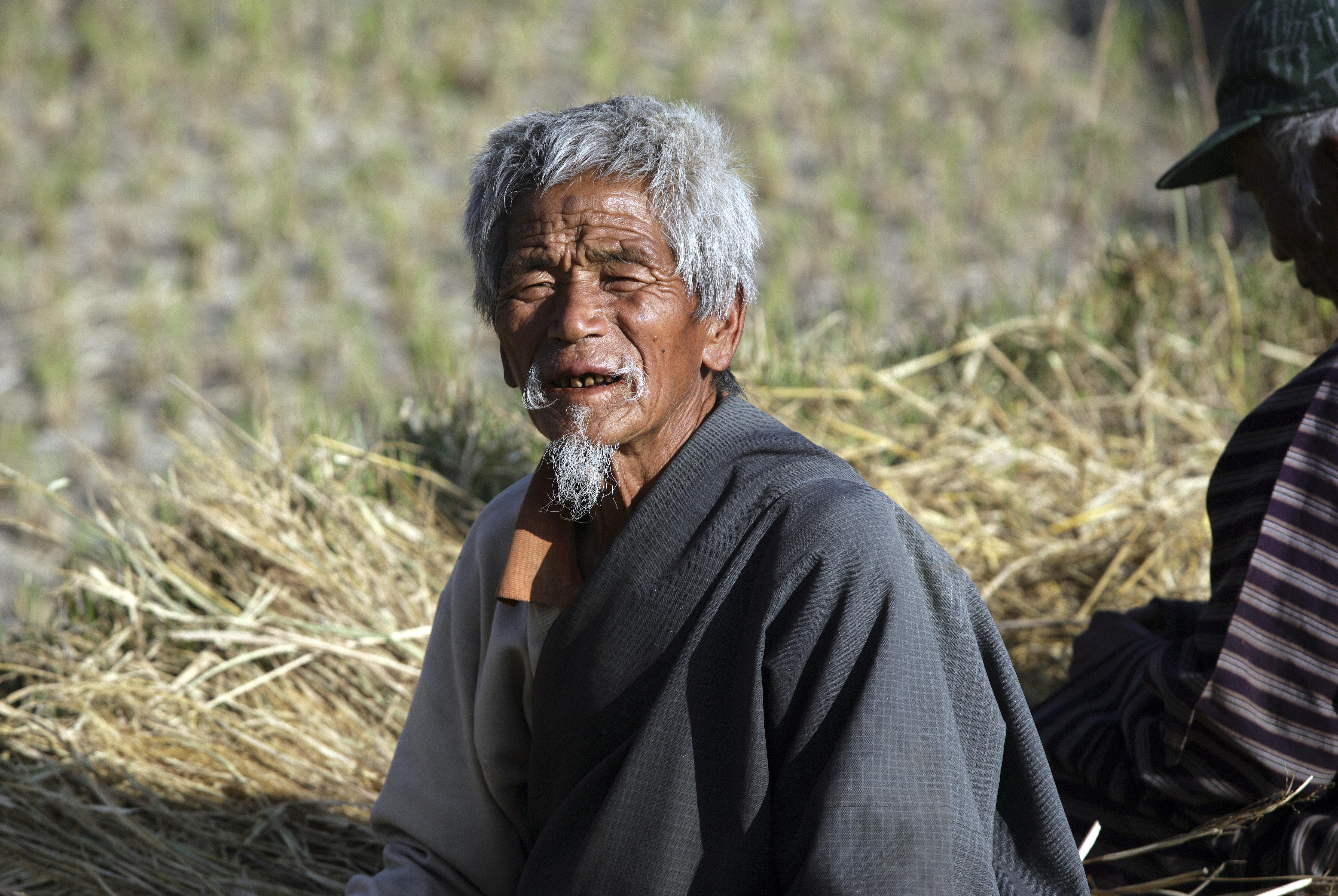 viajar a Bután en otoño